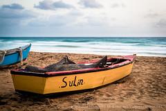 Sulin (josefrancisco.salgado) Tags: beach sunrise boat nikon puertorico playa amanecer nikkor luquillo bote d4 westindies salidadelsol greaterantilles 2470mmf28g antillasmayores