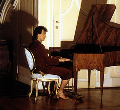Piano Man (~ Lone Wadi ~) Tags: piano pianist music musician barefoot indoors retro 1980s