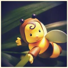 BzzzZzzzZzz (camilleromane1) Tags: macro toys jouet abeille enfantin childish ailes insecte sony sonyalpha68