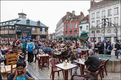 Sens 89 : Fte de la Musique (GK Sens-Yonne) Tags: caf bar table sens place foule fte bourgogne fontaine halle chaise ftedelamusique manifestation musique boisson puits placedelarpublique yonne rassemblement