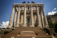Temple of Antoninus and Faustine, Roma.