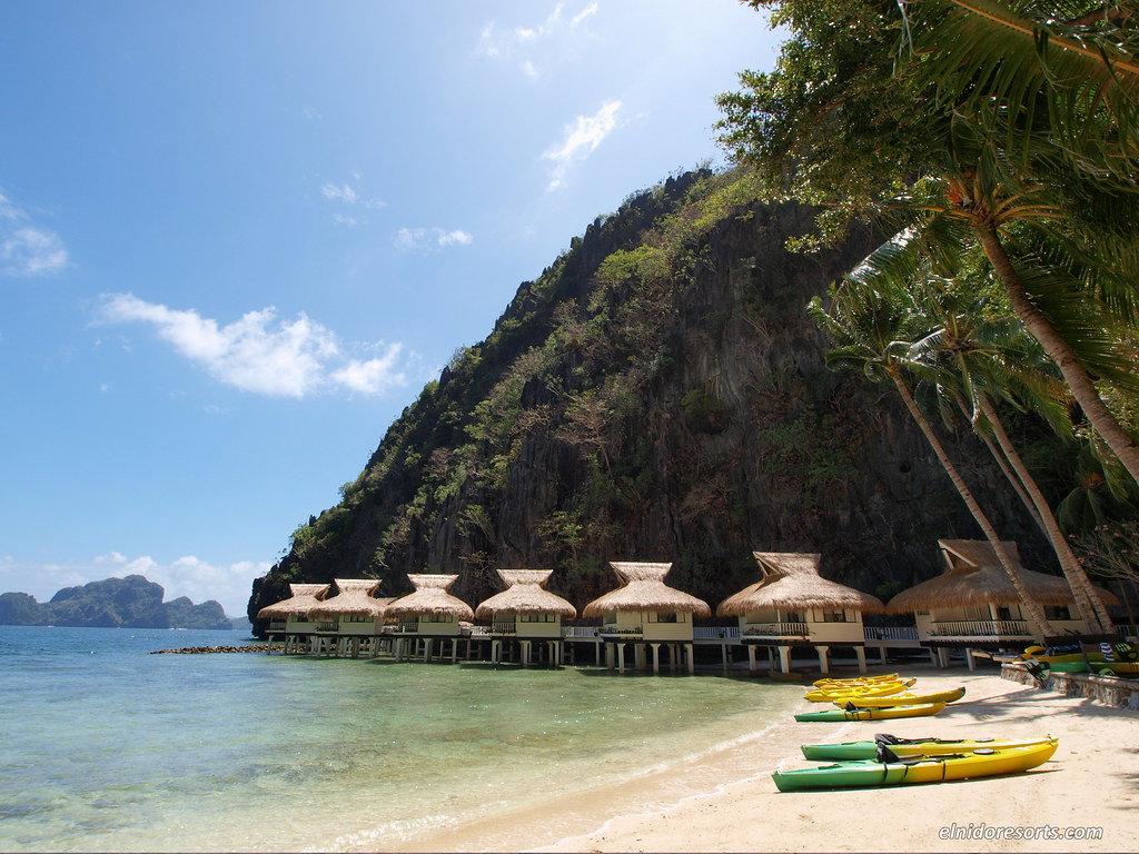 Miniloc Island - Beach Area and Water Cottages (Photocourtesy of El Nido Resorts)