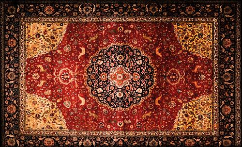 """Alfombras, espacios íntimos que simbolizan templos, árboles de la vida y el conocimiento, astros y paradisos. • <a style=""""font-size:0.8em;"""" href=""""http://www.flickr.com/photos/30735181@N00/32487288871/"""" target=""""_blank"""">View on Flickr</a>"""