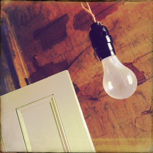 HipstaPrint Light Bulb and Door