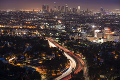A very small degree of hope is sufficient to cause the birth of love (ferpectshotz) Tags: night losangeles cityscapes socal citylights bluehour highlandave hollywoodhills cityofangels hollywoodbowloutlook