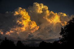 Burning Clouds (Klaus Ficker --Landscape and Nature Photographer--) Tags: sunset usa cloud sun storm weather canon photography kentucky burningclouds eos5dmarkii kentuckyphotography klausficker weatherinkentucky