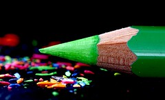 Rotten to the green  core HMM (flowrwolf) Tags: macromonday macromondays pencilspenserasersandorpaperclips mmthemefromoctober10th2016 pencil greenpencil green greencrayon wood indoor inside blackbackground black pencilshavings colour bright vivid hmm happymacromonday macro makro