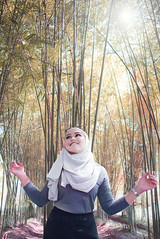Lia (leonlee28) Tags: portrait female asianbeauty asianfemale asiangirl asiangirlnextdoor hijup drawing editing photoshop photography people outdoorphotography naturallighting d750 2017 leonlee leonlee28 happ expression smile face