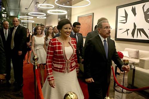 """El Presidente Danilo Medina y la Vicepresidenta Margarita Cedeño a su llegada al hotel JW Marriott Santo Domingo. • <a style=""""font-size:0.8em;"""" href=""""http://www.flickr.com/photos/91359360@N06/31706541446/"""" target=""""_blank"""">View on Flickr</a>"""
