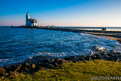 20170121-IMG_2481 (SGEOS@EARTH) Tags: marken holland zuiderzee ijsselmeer water sun lucht sky vuurtoren lighthouse winter canon