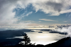 Clear the Air (Ron Rothbart) Tags: littlesummit moranstatepark orcasisland sanjuanislands washington bright clouds mist water
