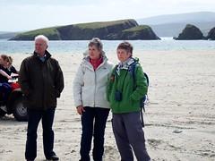 Spectators (nz_willowherb) Tags: beach st race boats see scotland tour visit rowing skiff shetland ninians tombolo 2015 bigton stniniansisle to go yoal