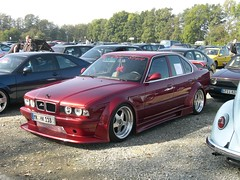 BMW 5er E34 (911gt2rs) Tags: show red rot low meeting event tuning m5 treffen stance 525i bimmer widebody bodykit tief 535i