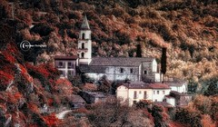 the little village (* landscape photographer *) Tags: episcopia lucania italy landscapephotographer paesaggio natura nature immerso mountains valley roccia tree alberi bosco colors autumn nikon nikkor flickr 2017