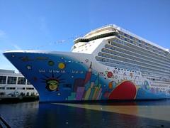 IMG_20161113_101936 (@jonchius) Tags: 2016 newyorkcity nyc usa norwegianbreakaway ncl cruise ships cruiseships petermax