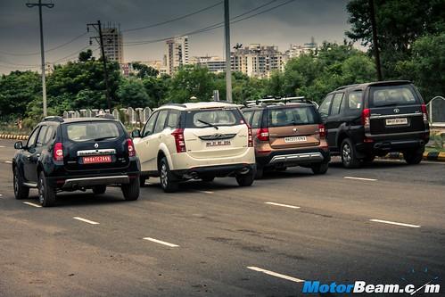 2015-Mahindra-XUV500-vs-Skoda-Yeti-vs-Tata-Safari-Storme-vs-Renault-Duster-AWD-14