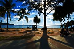 Visiting Thailand (Imagonos) Tags: shadow tree beach strand thailand sand warm mood sommer himmel wolken scooter menschen insel roller blau patong sonne schatten baum stimmung gegenlicht imbiss ves d800 palmen heiss sonnenbad tropen 2470 imagonos