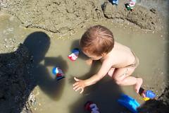 Il gioco tra sabbia, acqua e ombre! (Ylbert Durishti) Tags: estate spiaggia giochi bellaria