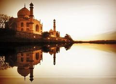 India - Uttar Pradesh - Agra - Taj Mahal - 35 (asienman) Tags: india agra tajmahal asienmanphotography mausoleum tomb mughalarchitecture uttarpradesh unescoworldheritagesite muslimart