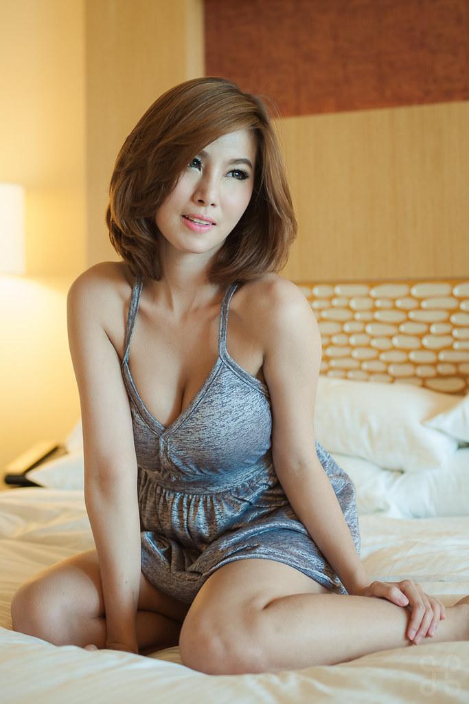 sexy women in singapore