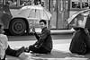 Parasol (Heinrich Plum) Tags: heinrichplum plum fuji xe2 xf1855mm bangkok thailand man sonnenschirm bürgersteig sidewalk schwarzweiss blackwhite blackandwhite streetphotography streetphotographie street monochrom monochrome