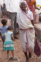 Market - Kawardha (wietsej) Tags: market kawardha chhattisgarh india people tribal rural village sonyalphadslra900 minolta100mmf28dafmacro