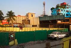#21 Dhaka | 2016 (Sohail Bin Mohammad) Tags: street streetphotography decisivemoments moment color colorful explore explorer dhaka bangladesh candid urban kids car sohailbinmohammad
