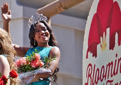 queen's smile (bran10) Tags: rose festival parade queen blooming