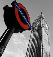 Big Ben/Westminister (mtudis) Tags: london canon underground bigben splash bnw westminister londonstreetphotography eos1100d