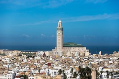 La médina de Casablanca - Maroc (Bouhsina Photography) Tags: casablanca maroc mosquée hassanii hassan médina centre couleur océan atlantique bouhsina bouhsinaphotogrphy canon 5diii ef70100 2016 architecture ville cité ciel bleu wow