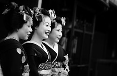 New Year's Greetings (momoyama) Tags: maiko geiko geisha kyoto japan japanese smile bw mono girl woman canon 6d 85mm winter newyear black costume happy laugh