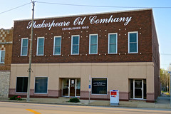 Shakespeare Oil Company, Salem, IL (Robby Virus) Tags: salem il illinois shakespeare oil company building sign established 1950 front facade gas wells drilling independent inc