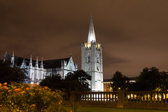 St Patrick's Cathedral in #Dublin (Joe Dunckley) Tags: dublin ireland republicofireland stpatrickscathedral architecture building cathedral church night spire