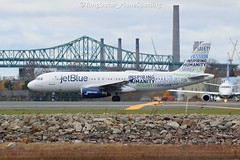 N598JB (thokaty) Tags: kbos bostonloganairport jetblue airbus a320 a320232 n598jb eis2004 chs bluemanity