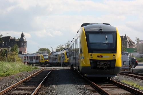 HLB: VT 273.2 und zwei weitere neu angelieferte Triebwagen warten in Butzbach Ost auf ihre Inbetriebnahme durch die HLB