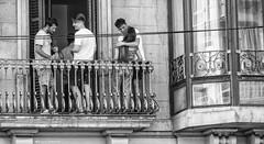 2226  Escena callejera (Ricard Gabarrús) Tags: robado robados escenacallejera street olympus gente fiesta ricardgabarrus ricgaba