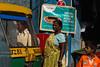 READY TO GO. Kolkata (Cathy Le Scolan-Quéré Photographies) Tags: famile family indian indianfamily indianpeople père father mère mother mum child enfant kid tuktuk autorickshaw inde india kolkata calcutta westbengale transports rue street catherinelescolanquéré canon sari