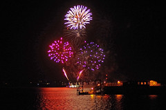 Hythe Fireworks 3 (David Blandford photography) Tags: hythe pier fireworks southamptonwater southamptondocks hampshire arcadia cruise liner