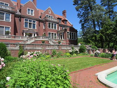 Backyard by the Fountain (pirate johnny) Tags: glensheen duluth mansion minnesota