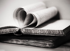 Book ♥ (V Photography and Art) Tags: vintage books book monochrome mono blackandwhite hearts heart macro