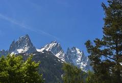 Les Aiguilles de Chamonix #1 Du Chapeau  Cornes  l'aiguille des Deux Aigles. (Claude Jenkins) Tags: trees sky mountain montagne nikon ciel arbres glaciers montblanc chamonixvalley d610 aiguilleduplan valledechamonix aiguilledeblaitire afs70200f4vr