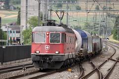Re 6/6 11677 Neuhausen am Rheinfall at Sissach (daveymills31294) Tags: am sbb 66 class re rheinfall 620 neuhausen sissach 11677 0778