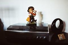 (Menina Limo) Tags: grandma film home analog radio vintage doll prayer vinyl objects indoor bibelot pelcula