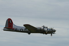 NL3701G B-17 (Vernon Harvey) Tags: bay flying airshow b17 boeing boundary fortress zbb n3701g
