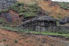 capanna, poor dwelling (paolo.gislimberti) Tags: case houses povertà poverty