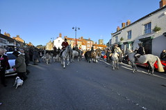 Boxing Day Hunt meet in Kirkbymoorside (petelovespurple) Tags: boxingdayhuntmeetinkirkbymoorside boxingday thehunt hunt horses hounds people ladies gentlemen ponies kirkbymoorside