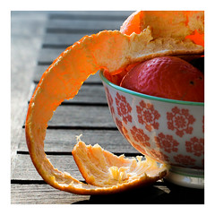 It's A -peeling to me (objet introuvable) Tags: macromondays macro peeling food orange bol canon canon70d cadre