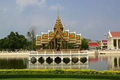 Aisawan Thiphya-Asana in the Bang Pa-In palace near Ayutthaya, Thailand (UweBKK (α 77 on )) Tags: ayutthaya thailand southeast asia sony alpha 77 slt dslr aisawan thiphyaasana bang pain palace lake building architecture park garden