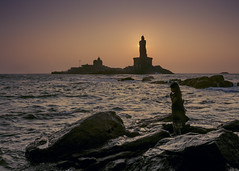 Sunrise (Arun Veerappan) Tags: kanyakumari sunrise india indian kids statue iconicplace thiruvalluvar sea 121clicks travel ngc nationalgeographic nationalgeotraveller natgeo emphoka uclickframe ar arun arunveer arunveerappan 2017