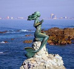Mazatlan Mermaid - by Fire Horse Leo